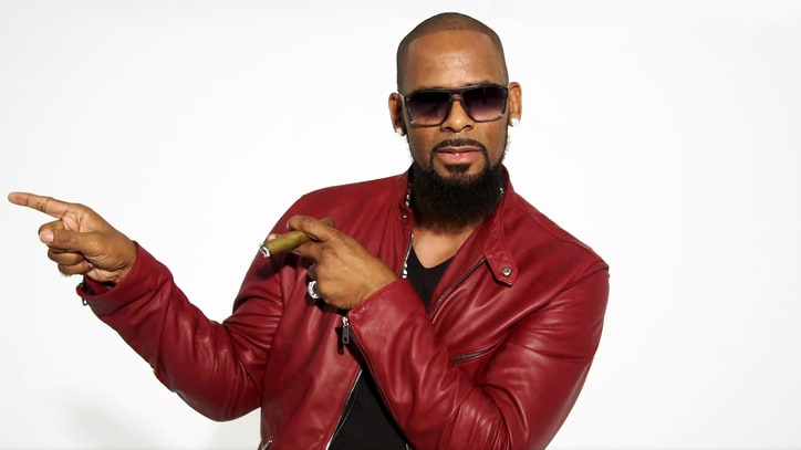 Hear R. Kelly Sing About His Life for 45 Minutes
