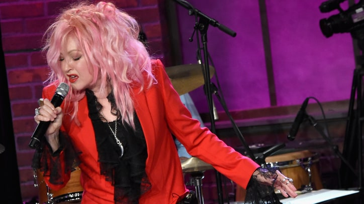 See Kelsea Ballerini, Ingrid Michaelson Sing 'Girls' With Cyndi Lauper