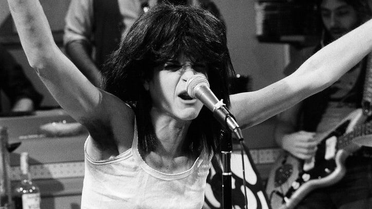Flashback: Watch Gilda Radner Hilariously Spoof Patti Smith on 'SNL'