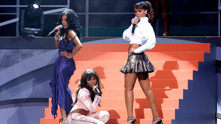 Flashback: Rihanna Performs in Destiny's Child Tribute