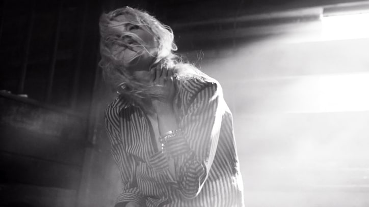 Dead Weather Held Captive in Eerie 'Impossible Winner' Video