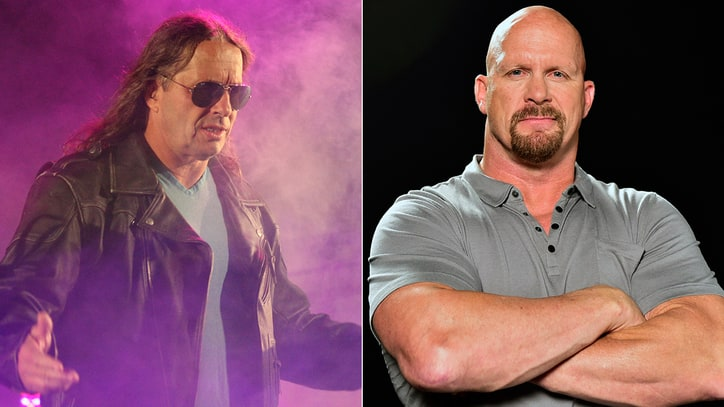 Stone Cold Steve Austin Says Bret Hart Is 'Determined to Fight' Cancer