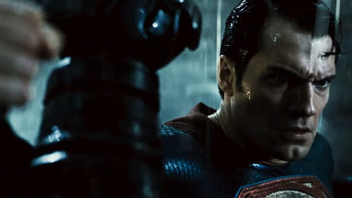 Watch Batman, Superman's Gladiator Brawl in 'Dawn of Justice' Trailer