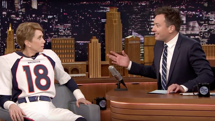 Watch Kristen Wiig's Awkward Peyton Manning Impersonation on 'Fallon'