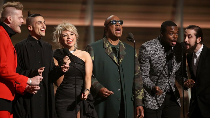 Watch Stevie Wonder's Emotional Maurice White Tribute at Grammys