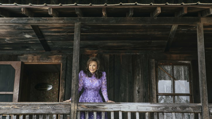 Loretta Lynn on How New Album 'Full Circle' Tells Her Life Story