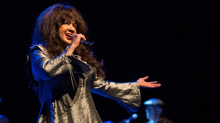 Ronnie Spector Announces 'English Heart' Album, Track List