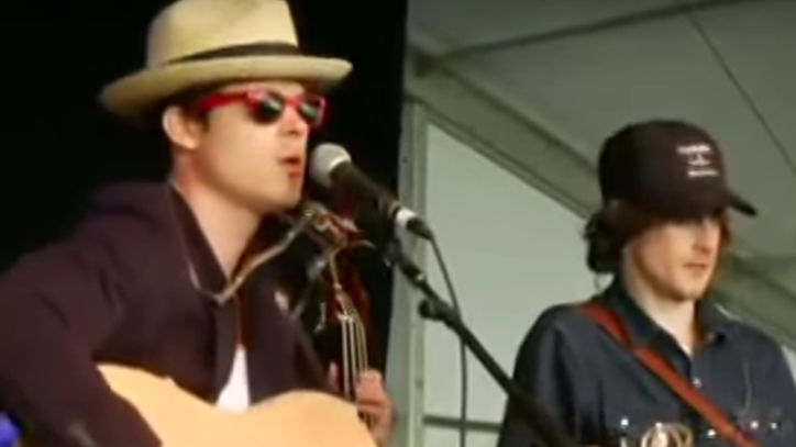 Flashback: See Old Crow Medicine Show's Solemn Whitney Houston Tribute