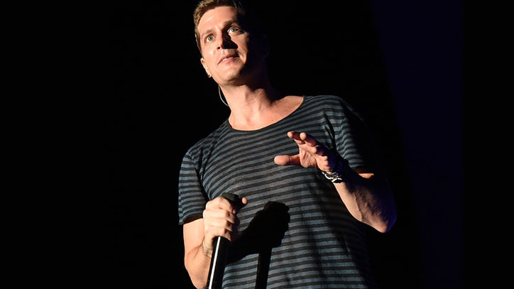 Rob Thomas Apologizes for Racist Onstage Joke in Australia