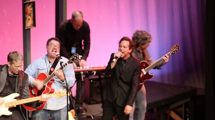 Watch Eddie Vedder Jam Out With Former Classmates at Alma Mater Fundraiser