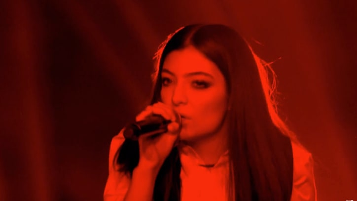 Watch Lorde's Moving David Bowie Cover at Brit Awards