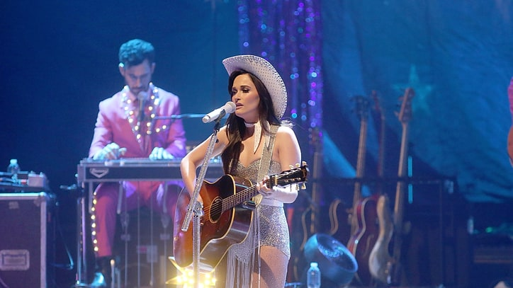 Kacey Musgraves Catches 'Waves' With Miguel: Ram Report