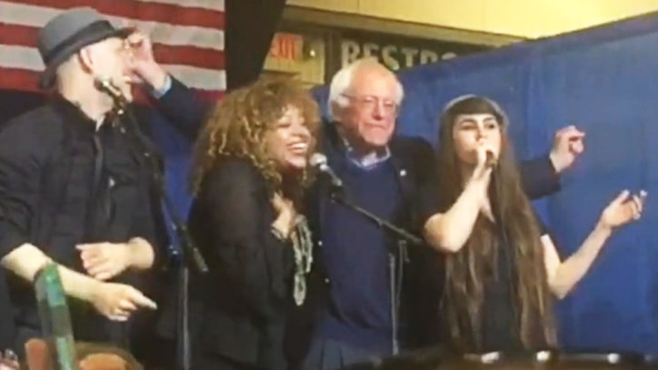 Watch Bernie Sanders Sing Woody Guthrie Classic on Super Tuesday