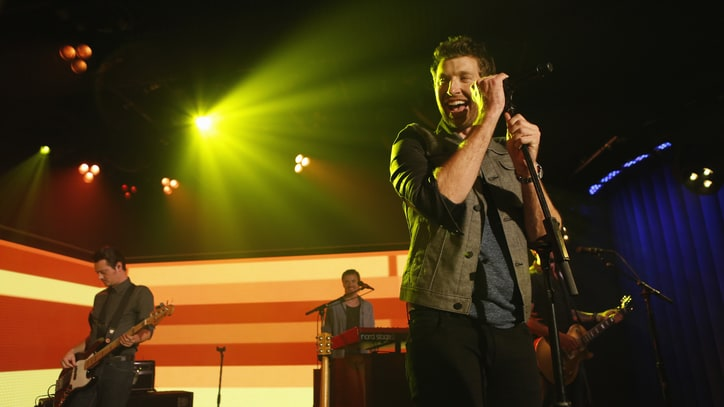 Watch Brett Eldredge Croon Sinatra Classic in Nashville