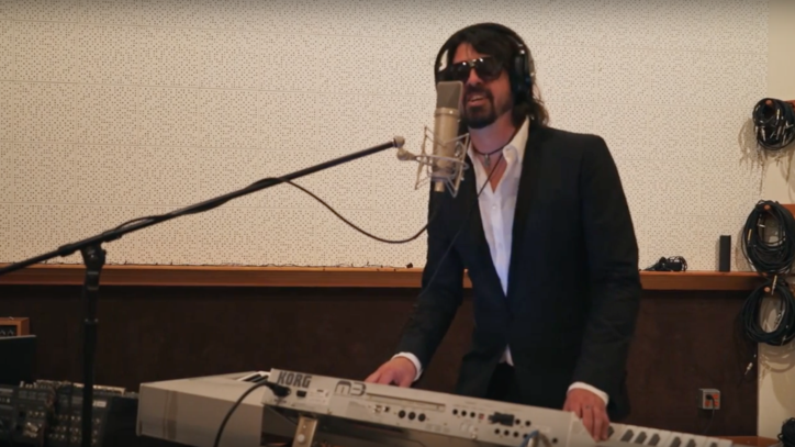 Watch Dave Grohl, Foo Fighters Mock Breakup Rumors in New Video