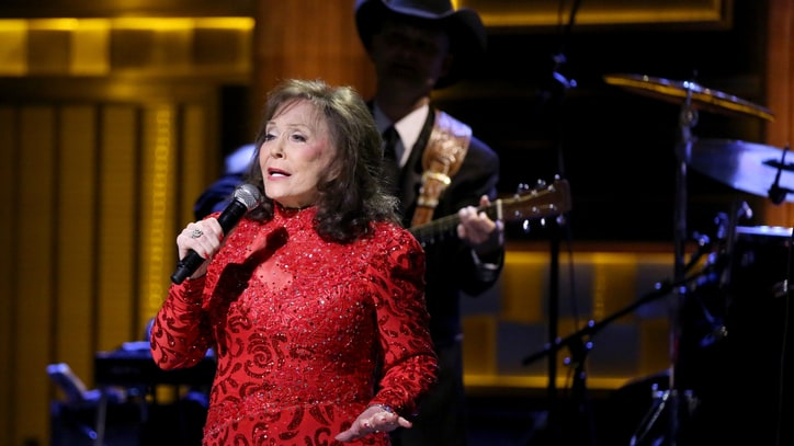 See Loretta Lynn's Sassy 'Everything It Takes' on 'Fallon'
