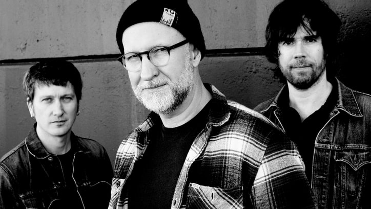 Hear Bob Mould Ponder 'The End of Things' on Fiery New Song