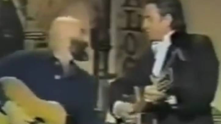 Flashback: Johnny Cash, Shel Silverstein Sing 'A Boy Named Sue'