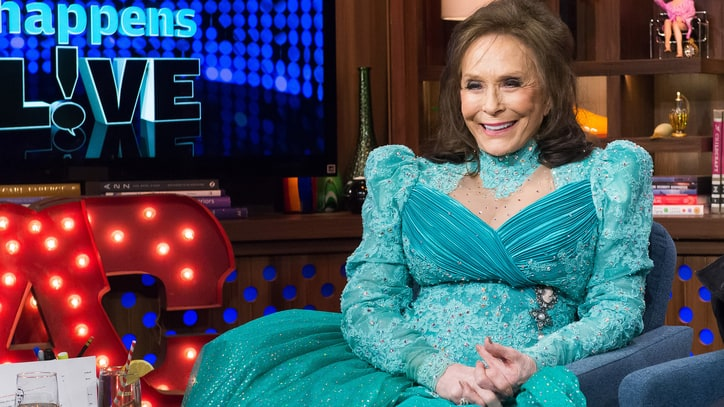 5 Things We Learned About Loretta Lynn on 'Watch What Happens Live'