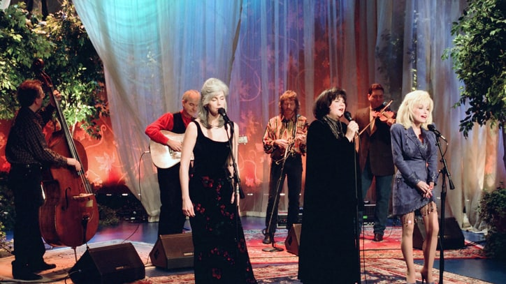Dolly Parton, Linda Ronstadt and Emmylou Harris to Release 'Trio' Box Set
