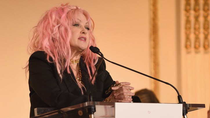Cyndi Lauper on Hillary Clinton: 'She Can Do the Job'