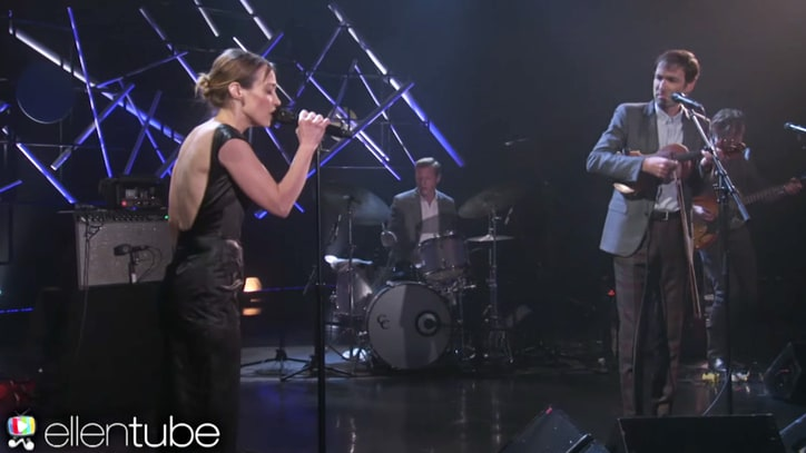 Watch Andrew Bird, Fiona Apple's Playful 'Left Handed Kisses' Performance