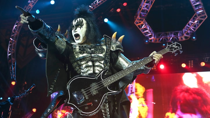 Gene Simmons Skewers Pop Charts, Is 'Looking Forward to Death of Rap'