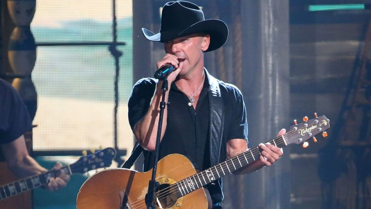 Hear Kenny Chesney's Plea to Unplug the 'Noise'