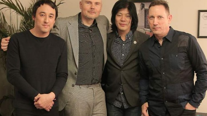 Watch Smashing Pumpkins Reunite With James Iha at Los Angeles Concert