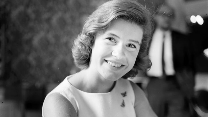 Patty Duke, 'Miracle Worker,' Sitcom Star, Dead at 69