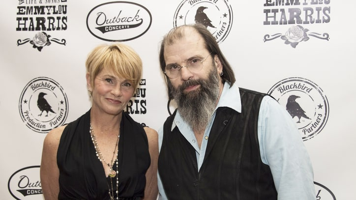 Hear Shawn Colvin and Steve Earle's Dark 'You're Right (I'm Wrong)'