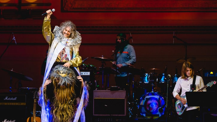 Watch Wayne Coyne Sing 'Life on Mars?' Atop Chewbacca at Bowie Tribute