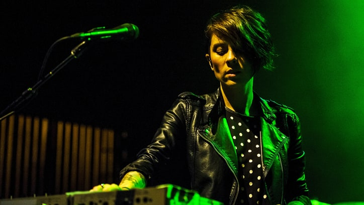 Hear Tegan and Sara Navigate Love Triangles on New Song 'Boyfriend'