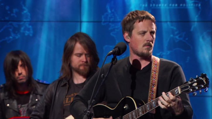See Sturgill Simpson's Psychedelic 'Call to Arms' on the 'Daily Show'