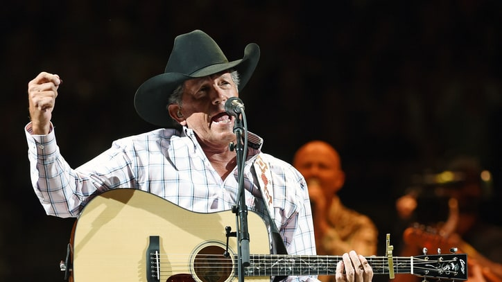George Strait Plays Hits, Haggard at Triumphant Vegas Concert