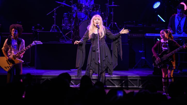 See Stevie Nicks' Spirited 'Rhiannon' Performance at 'School of Rock'