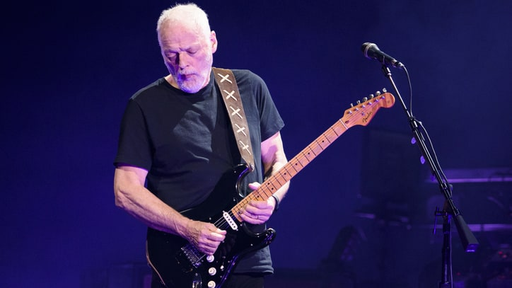Watch David Gilmour Seamlessly Blend 'Comfortably Numb,' 'Purple Rain'