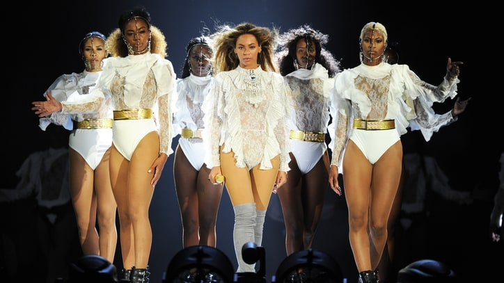 Beyonce Stuns With 'Lemonade' Debuts, Rousing Hits at Tour Kickoff