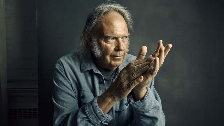 Neil Young's New LP 'Earth' Mixes Lives Tracks With Animal Sounds