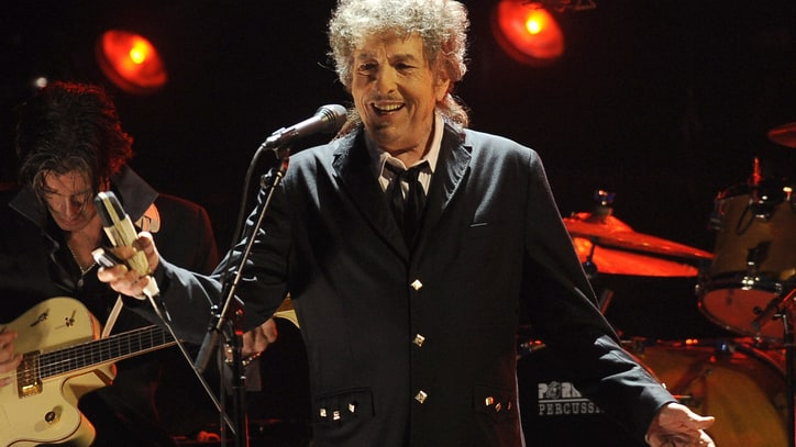 Hear Bob Dylan's Country Rendition of 'All the Way'