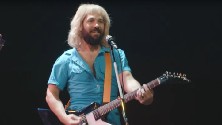 Watch Jimmy Fallon, Paul Rudd Recreate Absurd Styx Music Video