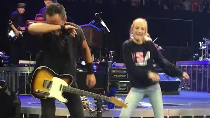 See Bruce Springsteen Whip, Nae Nae and Dab at Oakland Concert