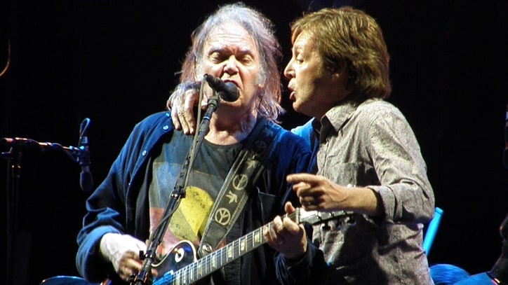 Flashback: Neil Young and Paul McCartney Play 'A Day in the Life'