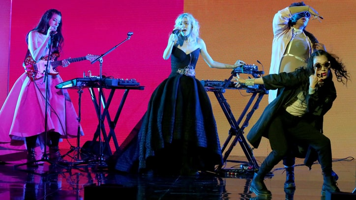Grimes Lights Up 'Fallon' With Rapturous 'Flesh Without Blood'