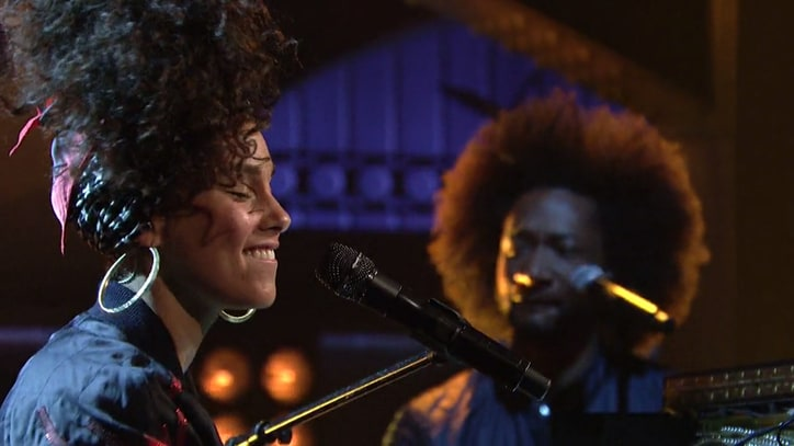 Watch Alicia Keys Debut Simmering New Songs on 'SNL'