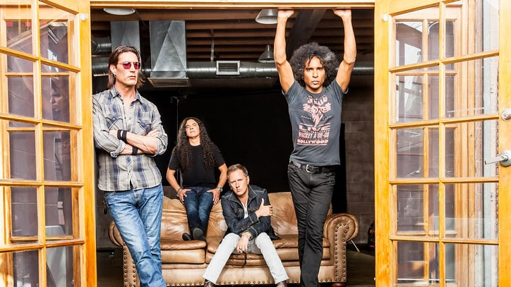 Alice in Chains Plot Headlining North American Tour