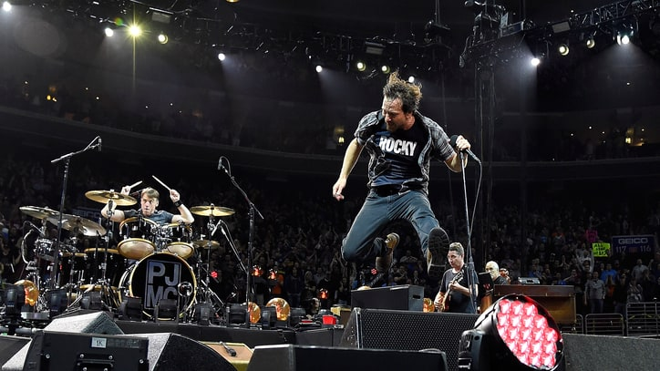 Pearl Jam Perform 'Binaural' in Its Entirety at Toronto Concert