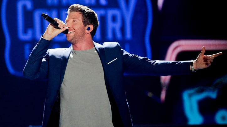 Brett Eldredge Tells Story Behind 'Wanna Be That Song': The Ram Report