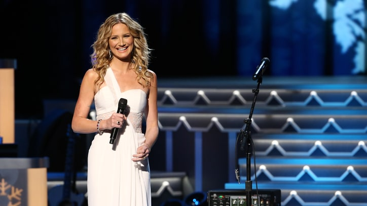 Jennifer Nettles Releases 'Playing With Fire': The Ram Report
