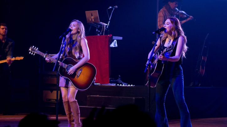 Maddie & Tae Reach Out to Teens at Private Concert